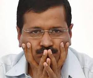 दिल्ली सरकार पर आया नया संकट, जल्द ही केजरीवाल के दफ्तर में नहीं होगा एक भी अफसर :
