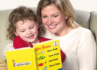 बुक पढ़ने के दौरान करें बच्चों से बात, एक्टिव  होगा उनका दिमाग :