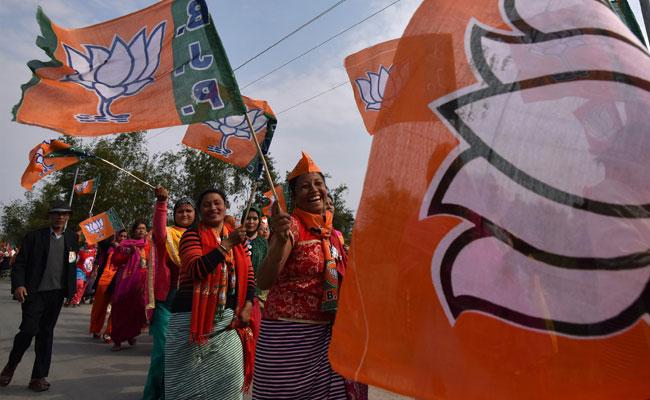 आखिर क्यों बाहर नहीं आया आम आदमी पार्टी का इंटरनल सर्वे, बीजेपी दे रही ये जवाब :