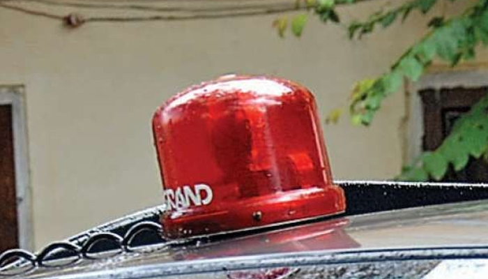 वीआईपी कल्चर पर मोदी सरकार ने चलाया हथौड़ा, 1 मई से लाल बत्ती खत्म: