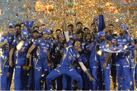 IPL Final : मुंबई ने पुणे को 1 रन से हरा कर की जीत हासिल