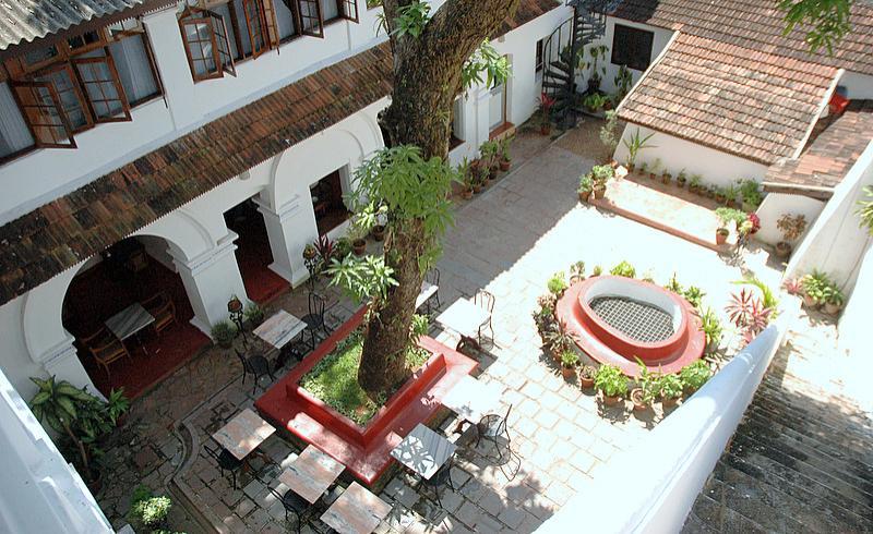 Courtyard480
